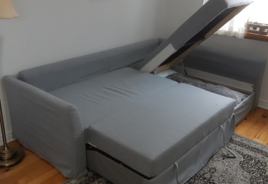 Pull out couch queen size bed